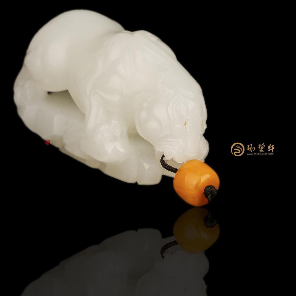 貔貅_ 新疆和田玉羊脂白籽玉把件  -穆宇静玉雕工作室
