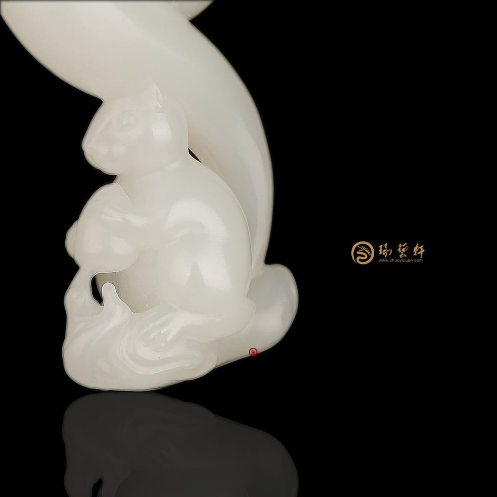 松鼠_新疆和田羊脂白籽玉挂件  16.6克-穆宇静玉雕工作室
