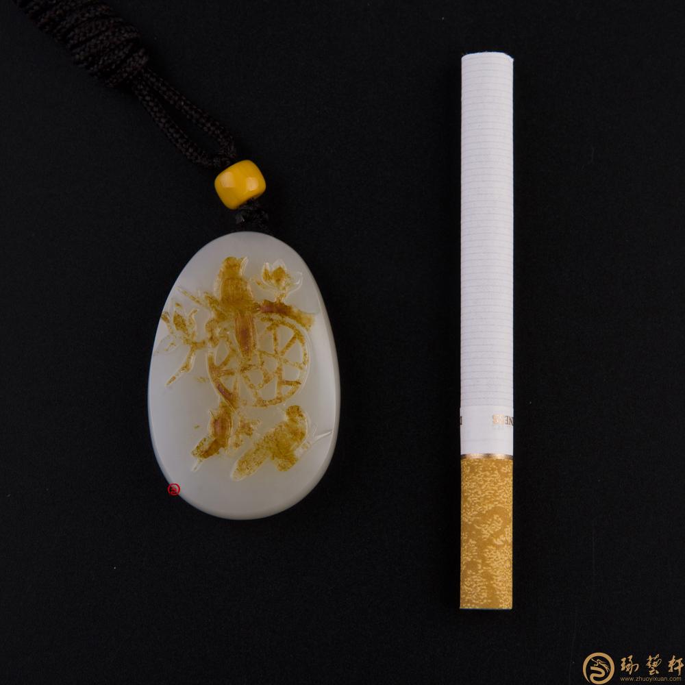 抬头见喜_新疆和田红皮一级白玉籽玉挂件  -穆宇静玉雕工作室