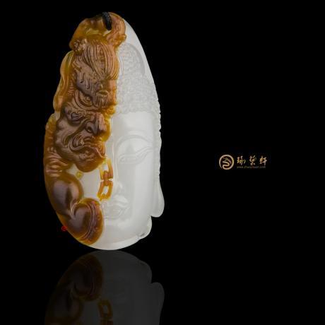 新疆和田红沁羊脂白籽玉挂件