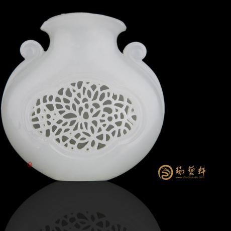 【琢艺轩】新疆和田白玉籽玉挂件 香囊 27克